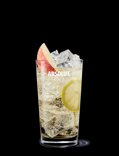 absolut äpple with ginger ale